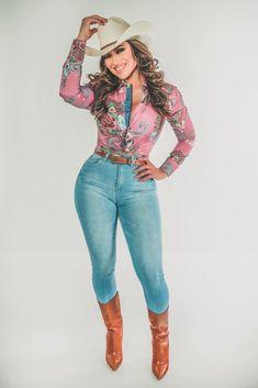 Sexy Cowgirl, Capri Pants, Fashion, Moda, Capri Trousers, Fashion Styles, Fashion Illustrations