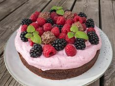 Danish Dessert, Danish Food, Cake Recipes, Dessert Recipes, Cake Decorating For Beginners, Strawberry Recipes, Cake Creations, Let Them Eat Cake, Yummy Cakes
