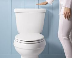 How to Get a High-Tech, Germ-Free Bathroom Automatic Toilet – Touchless Bathroom Technology – House Beautiful…. you can put in a touchless toilet flush kit, expected to retail for i want that! Flush Toilet, Kohler Toilet, Bathroom Trends, Bath Trends, Bathroom Designs, Bathroom Renovations, Bathroom Ideas, Copper Tubing, Bathroom Toilets