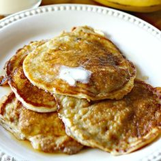 An easy and healthy breakfast, these Greek Yogurt Banana Pancakes provide a delicious protein-packed start to your day. Chocolate Chip Cookie Cheesecake, Chocolate Chip Cookies, Cheesecake Pie, Easy Baked Apples, Sunshine Cake, Homemade Spaghetti Sauce, Banana Pancakes, Banana Breakfast, Breakfast Meals