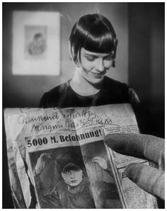 "Louise Brooks as Lulu - Publicity portrait from the 1929 film ""Die Büchse der Pandora"" (Pandora's Box), directed by Georg Wilhelm Pabst (1885–1967)."