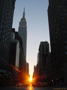 Sunset in a NYC urban canyon St with Empire State Building in view) in mid July by Neil deGrasse Tyson, Director of the Rose Center and Hayden Planetarium at American Museum of Natural History. Oh The Places You'll Go, Places To Visit, Hayden Planetarium, City Grid, Manhattan New York, Manhattan Henge, Urban Photography, Abstract Photography, Street Photography