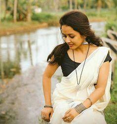 Traditional look of kerala girl - Indian Beauty Onam Saree, Kasavu Saree, Tamil Saree, Beautiful Saree, Beautiful Indian Actress, Beautiful Actresses, Beautiful Women, Kerala Saree Blouse Designs, White Saree