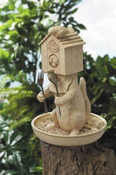 Stealth cat bird feeder