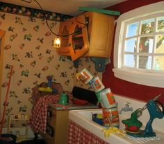 Mickey Mouse's Country House at Disney World - Hooked on Houses Mickey Mouse House, Mickey Mouse Kitchen, Mickey Mouse And Friends, Minnie Mouse, Disney Home, Disney Fun, Disney Mickey, Disney Stuff, Bungalow