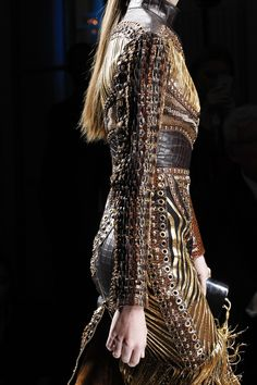 See detail photos for Balmain Fall 2017 Ready-to-Wear collection.