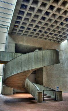 Everson Museum by Maurizio Photography. Syracuse, New York. Stairs Architecture, Architecture Details, Interior Architecture, Interior Stairs, Home Interior Design, Kolumba Museum, Everson Museum, Take The Stairs, Modern Staircase