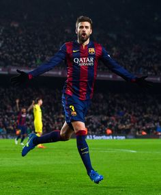 Gerard Pique of FC Barcelona celebrates after scoring his team's third goal during the Copa del Rey Semi-Final first leg match between FC Barcelona and Villarreal CF at Camp Nou on February 11, 2015 in Barcelona, Catalonia.