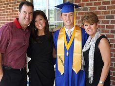 American Idol Winner Scotty McCreery Graduates from High School ...