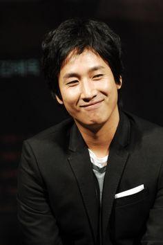 Lee Seon Gyun Lee Sun Kyun, Korean Face, Hyun Bin, Gong Yoo, Korean Actors, The Man, Kdrama, Sims, People