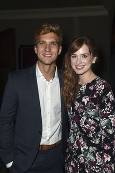 Scott Michael Foster (Kristoff) and Elizabeth Lail (Anna) at the afterparty for the Season 4 Premiere of Once Upon a Time Elizabeth Lail, Elizabeth Scott, Once Upon A Time, Scott Michael Foster, Snow White Prince, Ouat Characters, Anna Kristoff, Avant Premiere, Ouat Cast