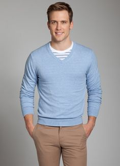 Light blue sweater and khakis Dressy Casual Outfits, Cool Outfits, Look Fashion, Mens Fashion, Fashion Outfits, Brown Chinos, Color Combinations For Clothes, Light Blue Sweater, Quoi Porter