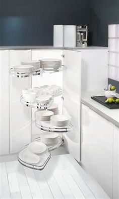 You may be more of a minimalist when it comes to organization, which means having everything in your kitchen neatly and orderly stored away in cupboards and drawers, out of sight and where everything has its place. Within your drawers and cupboards, you can create compartments or baskets tailored to your storage needs.