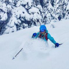 "2,078 To se mi líbí, 21 komentářů – EAT - SLEEP - SKI - REPEAT⛷❄️ (@sarahmagdalena) na Instagramu: ""I have the perfect relationship with snow, it always catches me when I fall ❄️ . . . . .…"""