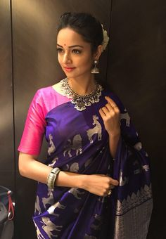 To make it easier for you, we have the top trending beautiful silk saree blouse designs so that you can choose the best for your saree look. Silk Saree Blouse Designs, Silk Sarees, Banarsi Saree, Cotton Saree, Lehenga Choli, Indian Sarees, Bollywood Saree, Bollywood Fashion, Indian Attire