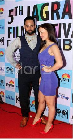 @ElliAvram and @iAmVJAndy at the red carpet of the 5th Jagran Film Festival powered by mid-day in Mumbai  pic.twitter.com/mIbNg1uJGr