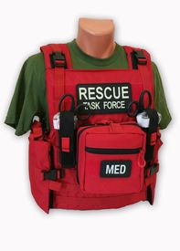 The new Rescue Task Force RAPID Vest is designed to provide maximum flexibility in configuring your vest to specific needs. Tactical Medic, Tactical Vest, Tactical Clothing, Tactical Equipment, Survival Equipment, Wildland Firefighter Gear, Off The Grid, Bushcraft, Special Forces Gear