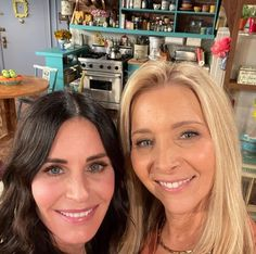 The Cast Of Friends, Friends Tv, Great Friends, Lisa, Best Tv Shows, Best Shows Ever, Morning Show, Tough Times, Staying Positive