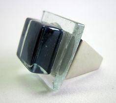 Vidro  preto/ incolor   Base metal  n 19  2 x 2 cm R$29,00