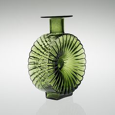 """HELENA TYNELL - Glass bottle """"Aurinkopullo"""" for Riihimäen Lasi Oy in the 1960/70's, Finland. [h. 22,5 cm]"""