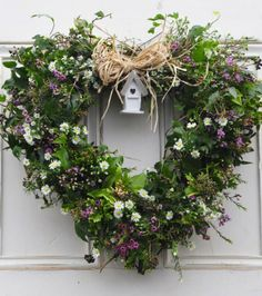 garland of flowers Bayberry Hollow Christmas Door Wreaths, Christmas Flowers, Easter Wreaths, Christmas Decorations, Diy Christmas, Wreaths And Garlands, Wedding Wreaths, Deco Floral, Beautiful Flower Arrangements