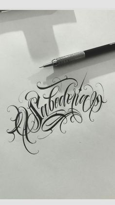Tattoo Lettering Alphabet, Tattoo Lettering Design, Chicano Lettering, Graffiti Lettering Fonts, Tattoo Design Drawings, Tattoo Fonts, Tattoo Sketches, Script Lettering, Tattoo Writing Styles