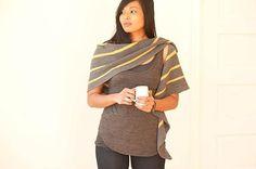 Lust auf ein Tuch, an dem der Blick hängen bleibt? Oder auf eine ausgefallene Farbkombination? Dann ist Iszara genau das richtige Projekt - die Anleitung finden Sie auf LoveKnitting!