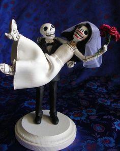 July 22 - 28 2012  Featuring Halloween Weddings    Simple Halloween Wedding Cake Toppers