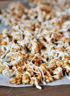 Mel's Kitchen Cafe   Cinnamon Roll Caramel Popcorn {Sugar Rush Gift Edition #1}