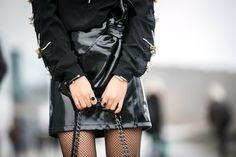 #vinyle #vinyl #fishnet #rocknroll #fashion #fashioninspiration #fashiontrends #fashionblogger #parisblogger #blogparis #trendyholyblog #jewelry #noeud