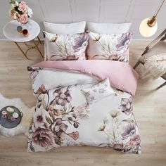 Whether you're decking out your guest room or bedroom, this Madison Park Gisele Floral Cotton Quilted Coverlet Set will do wonders for the look and comfort of your bed. Queen Comforter Sets, Duvet Sets, Duvet Cover Sets, King Duvet, Queen Duvet, Shabby Chic Bedding Sets, Floral Bedding, Bedroom Color Combination, Cotton Duvet