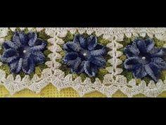 Neste vídeo farei o passo a passo da flor usada em um lindo jogo de banheiro de crochê. LISTA DE MATERIAL Para fazer o jogo de banheiro com 04 peças: * 1kg...