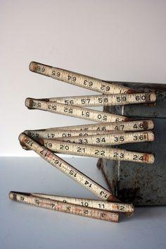 Folding ruler type tape measure.