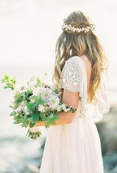 Wedding Hair Accessories   Brides.com
