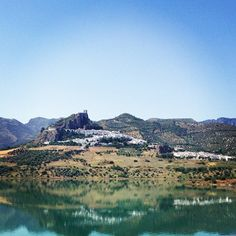 A hiking guide to Andalucia - http://www.sarahwilson.com.au/2012/07/a-slow-food-hiking-and-philosophers-guide-to-andalucia/