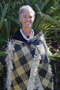 Kakahu Raranga by Paekakariki weaver Margaret Jackson Flax Weaving, Maori Art, Bone Carving, Nymph, Jackson, Sari, Mens Tops, Crafts, Inspiration