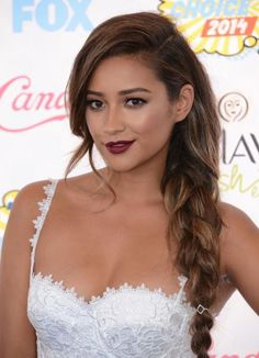 Yes, Shay Mitchell's casual braid is red-carpet and homecoming-worthy. #Homecoming #Hairstyles