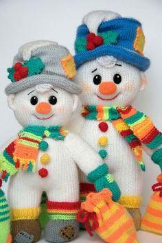 of Januaru by Irina Gibis Crochet Pig, Crochet Snowman, Christmas Crochet Patterns, Christmas Knitting, Crochet Dolls, Handmade Christmas Decorations, Christmas Tree Ornaments, Christmas Crafts, Snowman Crafts