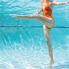 Pool Workout   Alternating Leg Kicks  