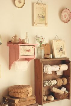 : Tienda Online ♡ Cottage ♡ The Country Diary of an Edwardian Lady Inspired Casa Retro, Cozy Place, Aesthetic Bedroom, Bedroom Vintage, Cozy House, Decoration, Room Inspiration, Diy Home Decor, Bedroom Decor