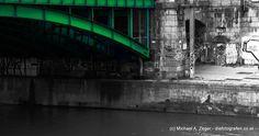 Die Franzensbrücke in Wien. Eine der vielen Donaukanalbrücken. Graffiti, Sydney Harbour Bridge, Vienna, Travel, Pictures, Canvas, Viajes, Destinations, Traveling