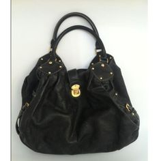 Tip: Louis Vuitton Shoulder Bag (Black). YES!