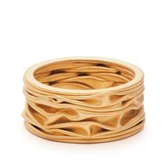 Niessing 22-karat Yellow Gold Plisse ring, 6.5 mm wide.