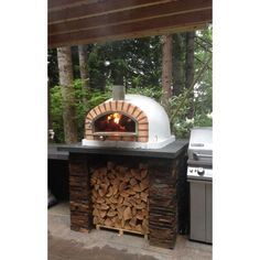 easy and cheap fire pit and backyard landscaping ideas 33 ~ IRMA Outdoor Kitchen Bars, Outdoor Kitchen Design, Outdoor Kitchens, Simple Outdoor Kitchen, Brick Oven Outdoor, Brick Bbq, Patio Kitchen, Outdoor Cooking, Patio Grill