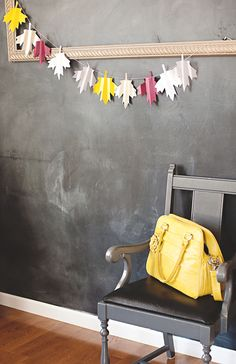Accordion folds make this paper-leaf garland even more lively. #DIY
