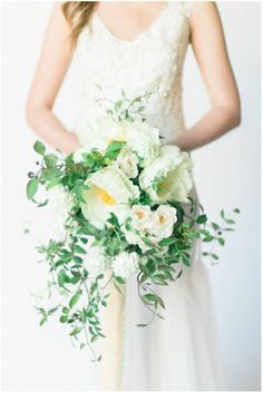 Sinclair and Moore, gorgeous white trailing bouquet