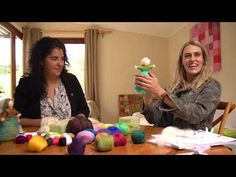 PESEBRE DE FIELTRO ESPECIAL NAVIDAD - YouTube Crafts To Sell, Diy And Crafts, For You Song, Make An Effort, Needle Felting, Wool Felting, Raising Kids, Things To Think About, Things To Sell