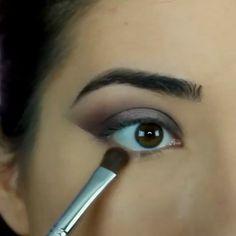 Beauty shadow & eyeliner by  @paulina_alaiev ❤️ , طريقة شدو مع لاينر ناعم ، شنو تحبون يكون الفيديو القادم؟ . . . . Snapchat: AboutQ8