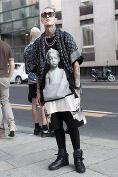 Milan fashion week SS15 Day#1 Nasceu pra ser punk, transgressor, rebelde, maluco, genio, irreverente na moda, vai contra as tendências e acaba criando a sua Moda; salve Aquarianos ♒