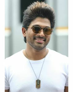 Allu Arjun New 2020 full Hd Wallpapers Army Couple Pictures, Love Couple Images, Cute Boys Images, Dj Movie, Movie Blog, Movie Photo, Actor Picture, Actor Photo, Allu Arjun Hairstyle
